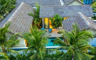 img-bgt-2021-new-world-phu-quoc-resort-duoc-thiet-ke-theo-phong-cach-lang-bien-doc-dao-1622447587-width1200height630.jpg